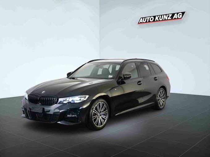 BMW 3er 330 i xDriveTouring M Sport Automat 5'129 km CHF50'989 - buy on carforyou.ch - 1