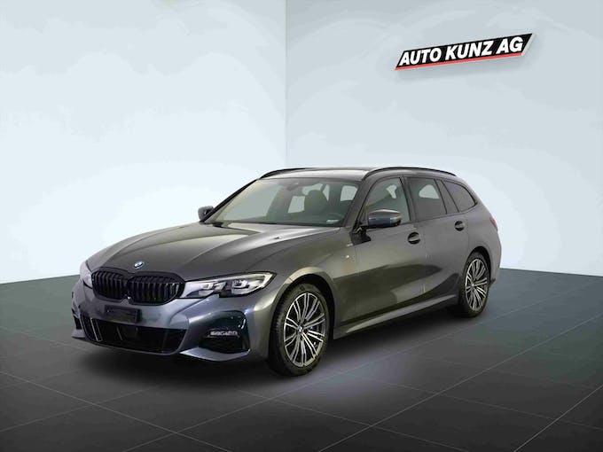 BMW 3er 330 i xDriveTouring M Sport Automat 8'673 km CHF45'989 - buy on carforyou.ch - 1