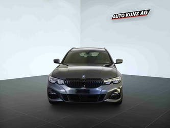BMW 3er 330 i xDriveTouring M Sport Automat 8'673 km CHF45'989 - buy on carforyou.ch - 3