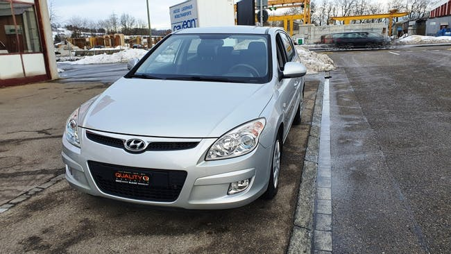 Hyundai i30 1.6 CRDi Style 77'000 km CHF6'600 - acheter sur carforyou.ch - 1