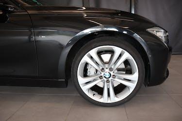 BMW 3er 335i Sport Line Steptronic 106'800 km CHF19'800 - buy on carforyou.ch - 3