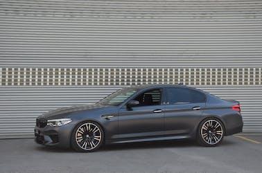 BMW 5er M5 xDrive Drivelogic 61'900 km CHF82'900 - buy on carforyou.ch - 2