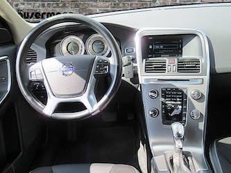 Volvo XC60 2.4 D4 Momentum AWD 138'000 km CHF15'400 - buy on carforyou.ch - 3