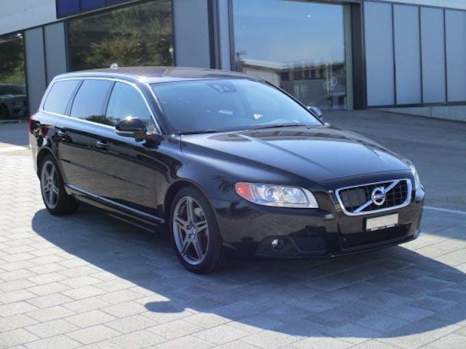 Volvo V70 D5 AWD Momentum 105'000 km CHF17'680 - buy on carforyou.ch - 1