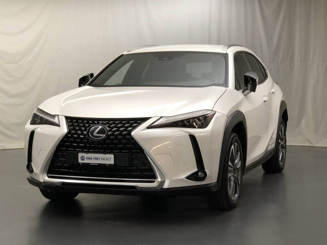 Lexus UX 300e Excellence 5'000 km CHF48'800 - buy on carforyou.ch - 1