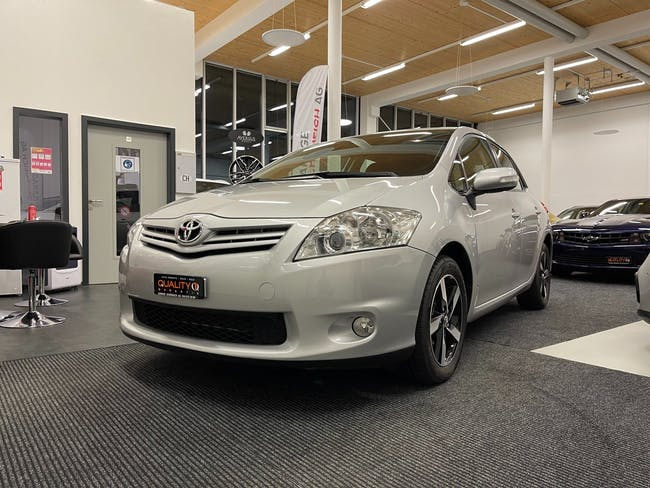 Toyota Auris 1.6 Linea Luna 60'000 km CHF8'900 - buy on carforyou.ch - 1