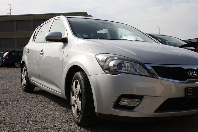 Kia Ceed Cee'd 1.4 CVVT Basic 158'000 km CHF4'900 - buy on carforyou.ch - 1