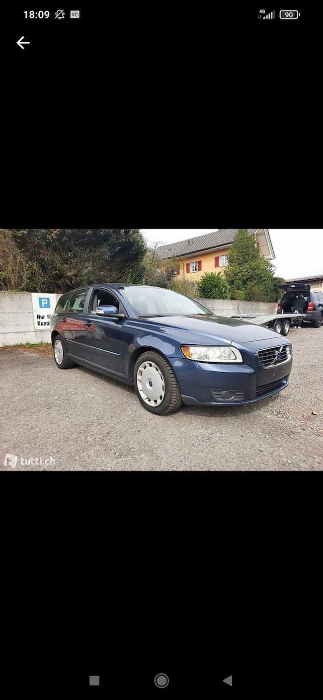 Volvo V50 2.0D Powershift 187'700 km CHF3'600 - buy on carforyou.ch - 1