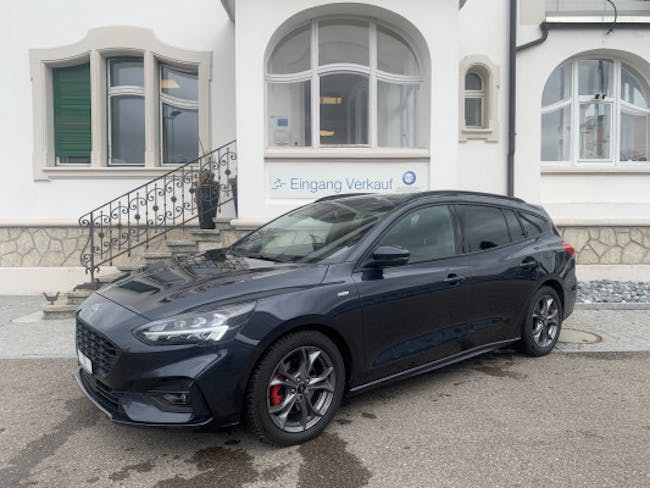 Ford Focus 1.5 SCTi ST Line 7'600 km CHF28'900 - buy on carforyou.ch - 1