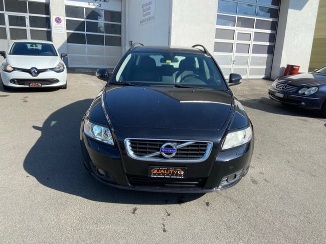 Volvo V50 D3 Business Edition 203'000 km CHF5'900 - buy on carforyou.ch - 1