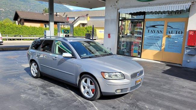 Volvo V50 2.0D Momentum 174'000 km CHF3'900 - buy on carforyou.ch - 1