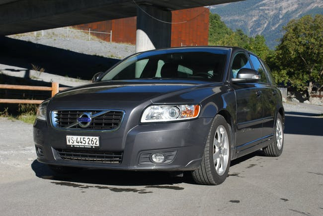 Volvo V50 DRIVe, frisch ab Service und MFK 160'000 km CHF6'900 - buy on carforyou.ch - 1