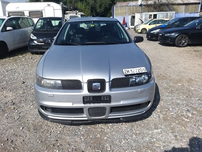 SEAT Leon 1.8 T Top Sport 264'268 km CHF1'900 - buy on carforyou.ch - 1