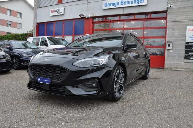 Ford Focus 1.5 SCTi ST Line Automatic 26'200 km CHF25'499 - buy on carforyou.ch - 1