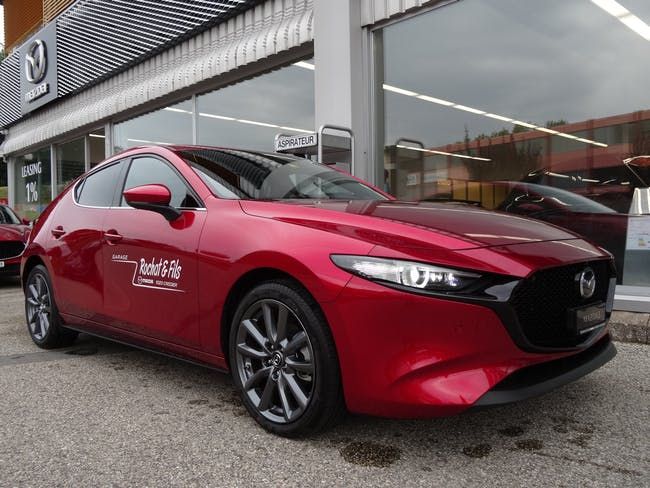 """Mazda 3 Hatchback SKYACTIV-X M Hybrid 186 Revolution """"Sunroof"""" 4'900 km CHF32'990 - acheter sur carforyou.ch - 1"""
