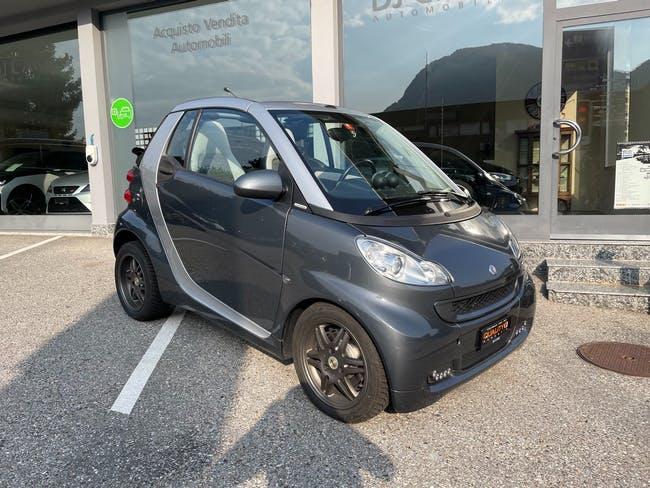 Smart Fortwo pearlgrey mhd softouch 54'000 km CHF7'990 - acquistare su carforyou.ch - 1
