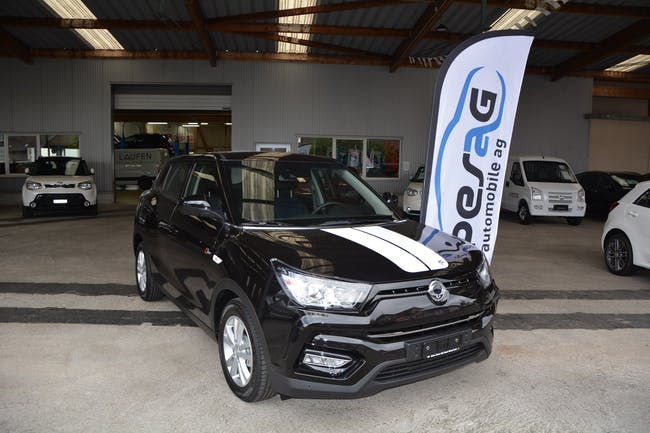 SsangYong Tivoli 1.6 eXDi ME Limited Edition 4WD Automatic 14'950 km CHF23'900 - buy on carforyou.ch - 1