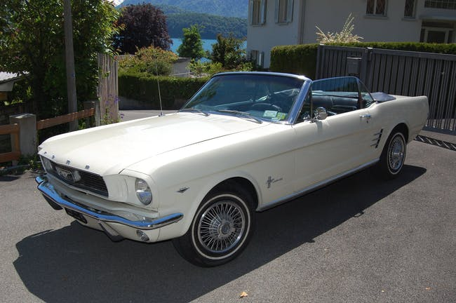 Ford Mustang FORD MUSTANG 99'999 km CHF55'500 - buy on carforyou.ch - 1