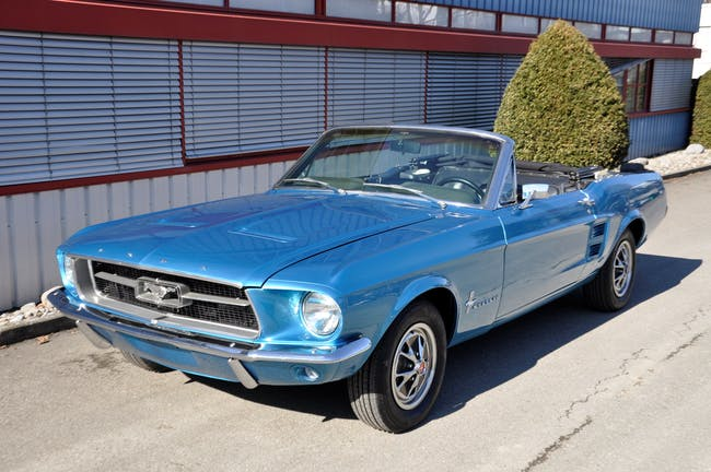 Ford Mustang 4,7L 999 km CHF57'900 - buy on carforyou.ch - 1