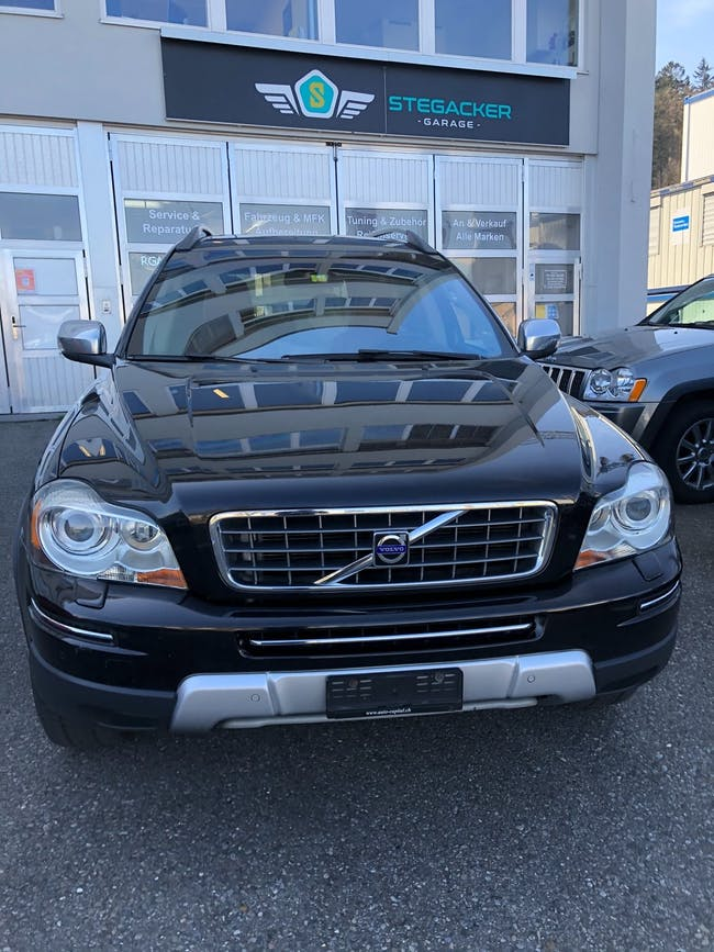 Volvo XC90 D5 AWD Executive Geartronic 236'000 km CHF10'800 - buy on carforyou.ch - 1