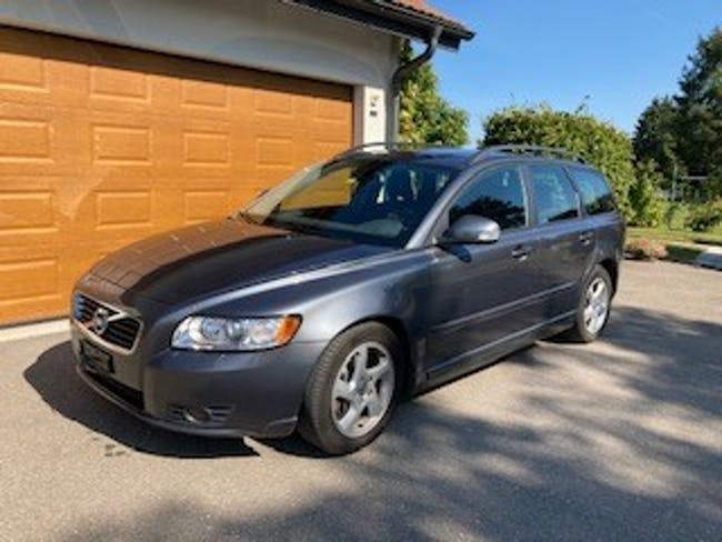 Volvo V50 D3 Business Edition Geartronic 149'000 km CHF6'800 - buy on carforyou.ch - 1