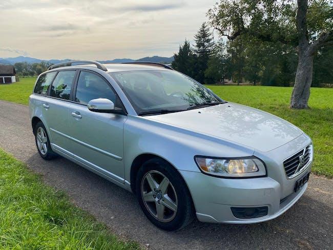 Volvo V50 D5 Momentum Geartronic 239'000 km CHF2'800 - buy on carforyou.ch - 1