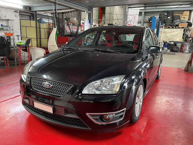 Ford Focus 2.5 Turbo ST 191'350 km CHF4'999 - buy on carforyou.ch - 1