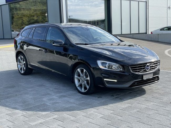 Volvo V60 D4 AWD Family Edition 131'300 km CHF17'801 - buy on carforyou.ch - 1