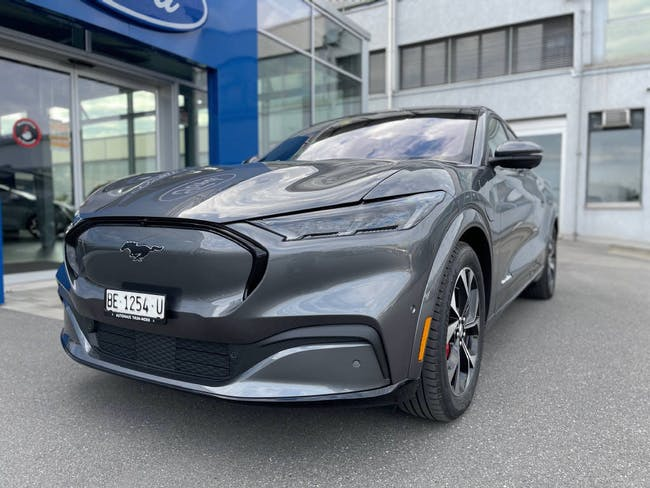 Ford Mustang Mach-E Extended First Edition AWD 12'500 km CHF69'500 - buy on carforyou.ch - 1