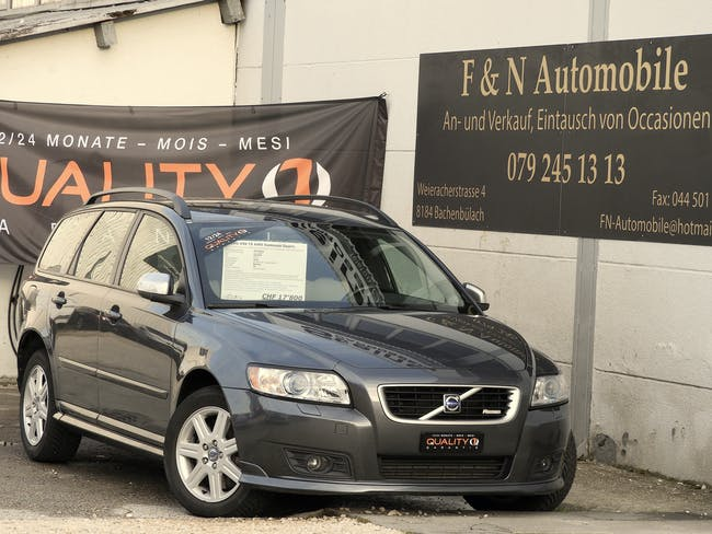 Volvo V50 T5 AWD / 12.2009 / 92t km / Automat/ 230 PS / R De 140'000 km CHF17'800 - buy on carforyou.ch - 1