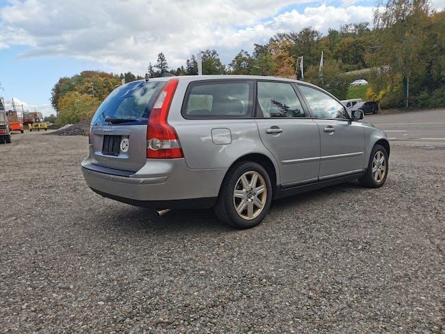 Volvo V50 T5 AWD, Automat 4x4 170'000 km CHF4'400 - buy on carforyou.ch - 1