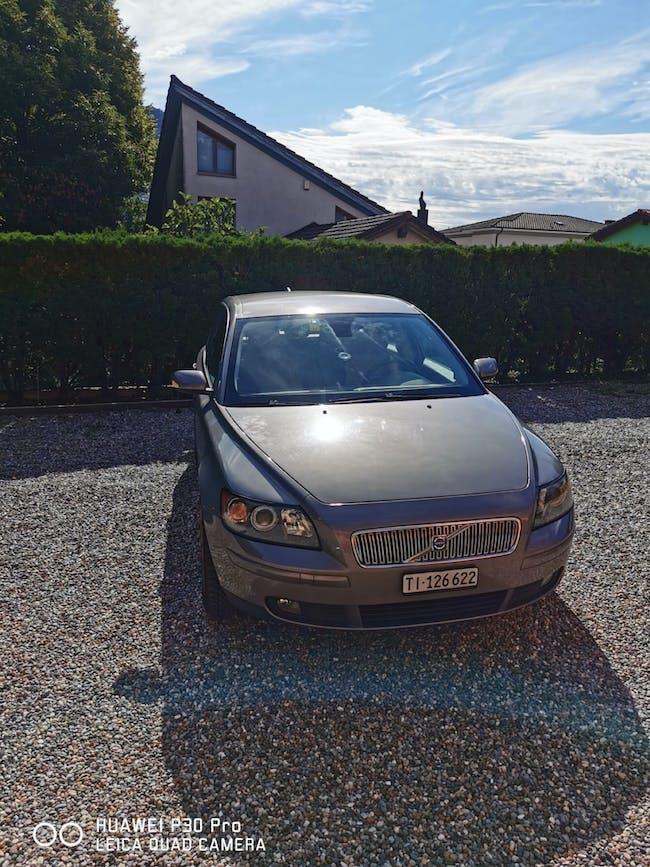 Volvo V50 Super occasione Volvo V50 2.0D 300'000 km CHF3'900 - buy on carforyou.ch - 1