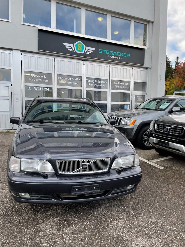 Volvo V70 2.5 20V 159'798 km CHF6'800 - buy on carforyou.ch - 1