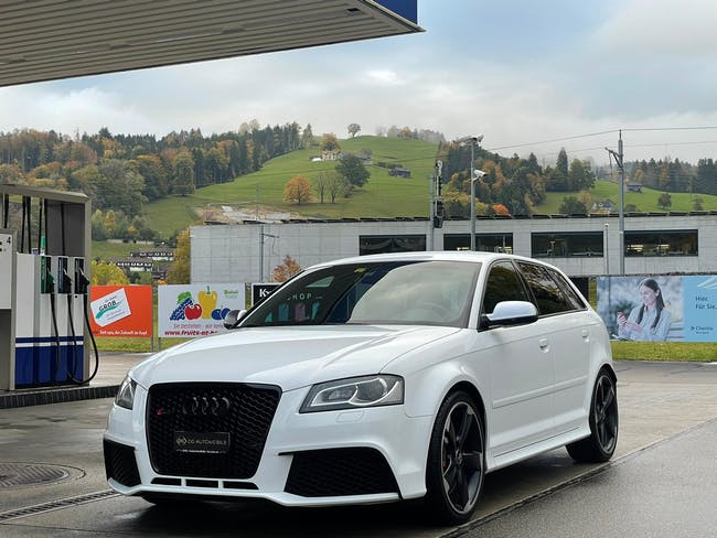Audi S3 / RS3 RS3 Sportback 2.5 TFSI quattro S-tronic *CH-Fahrzeug**Vollleder**Navi* 86'000 km CHF27'900 - buy on carforyou.ch - 1