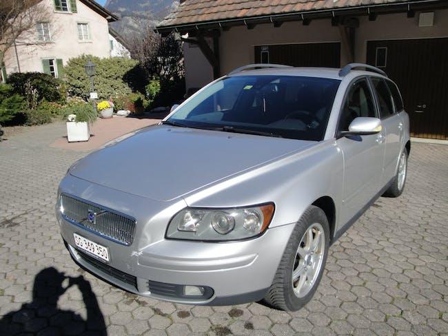 Volvo V50 2.4 I 250'000 km CHF2'800 - buy on carforyou.ch - 1