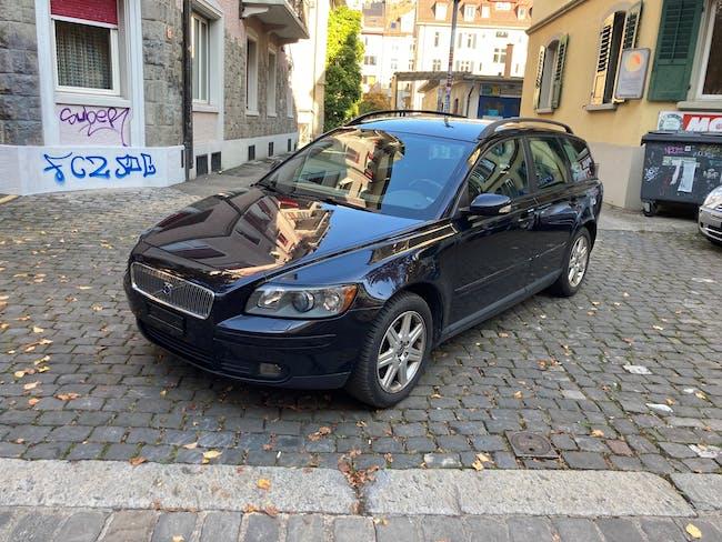 Volvo V50 2.4 216'000 km CHF2'700 - buy on carforyou.ch - 1